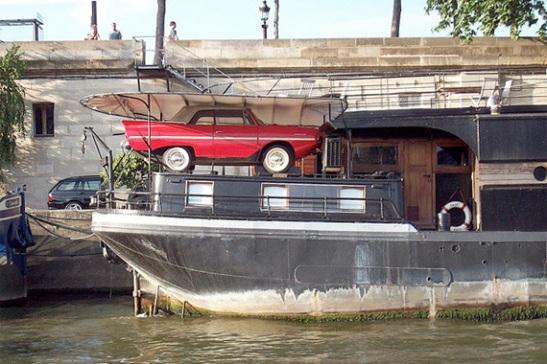 Houseboat garage