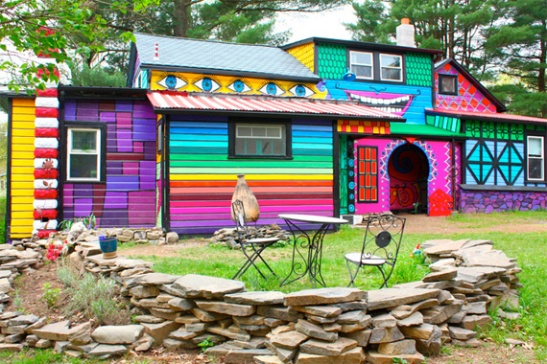 Wacky exterior paint in NYC