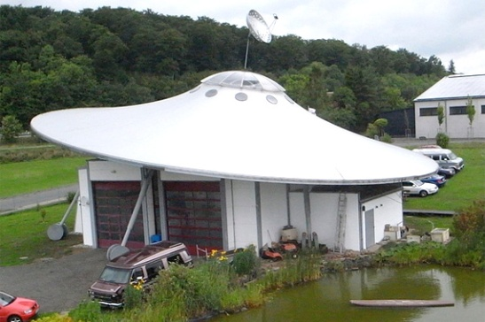 Wierd garage that looks like UFO